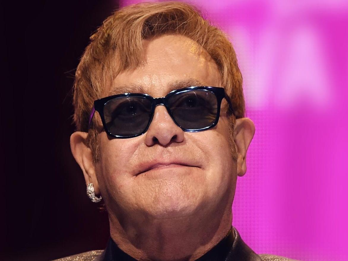 Elton John spiega come la fotografia lo ha salvato